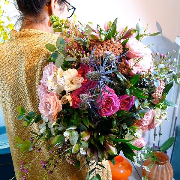 Bouquet de fleurs pitaya chic et choc fleuriste saint for Bouquet fleuriste